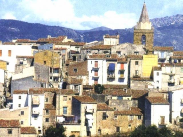 Castelbuono: piccolo borgo antico