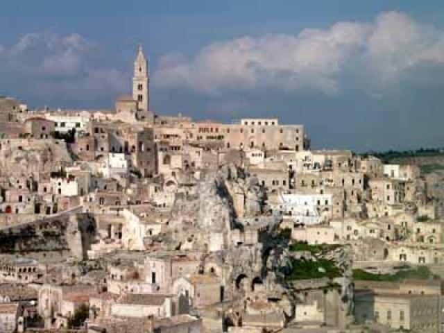 Matera: itinerario tra Sassi e chiese rupestri