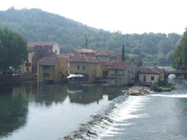 A Valeggio sul Mincio per un itinerario tra storia, natura e tradizioni