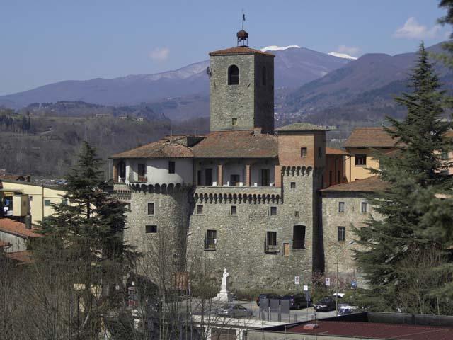 Castelnuovo Garfagnana: la Rocca tra i due fiumi
