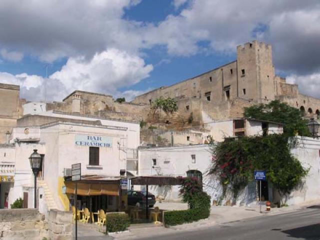 Grottaglie, la città delle grotte e delle ceramiche artistiche