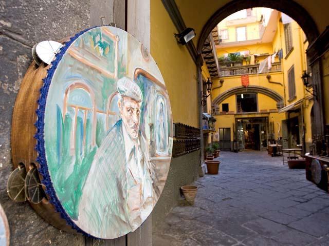 Via San Gregorio Armeno - un itinerario natalizio napoletano