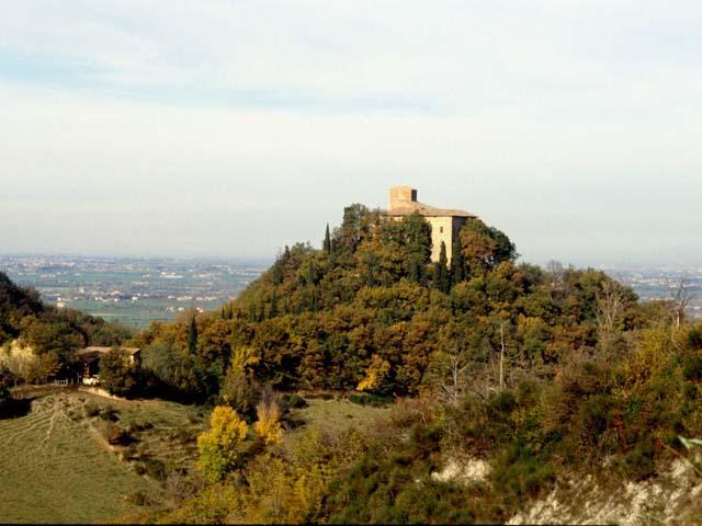 Intorno a Reggio Emilia, sulle orme di Matilde di Canossa