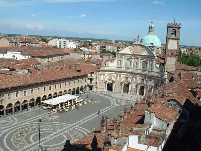 L'armonia della Piazza Ducale di Vigevano