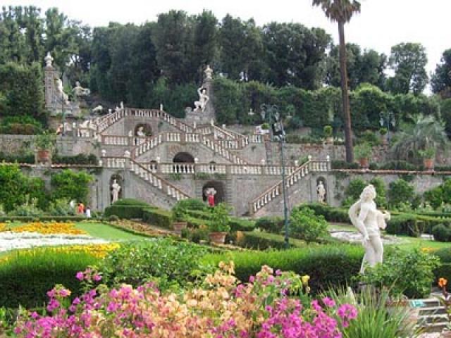 A spasso per Pescia tra chiese, monumenti e celebri burattini