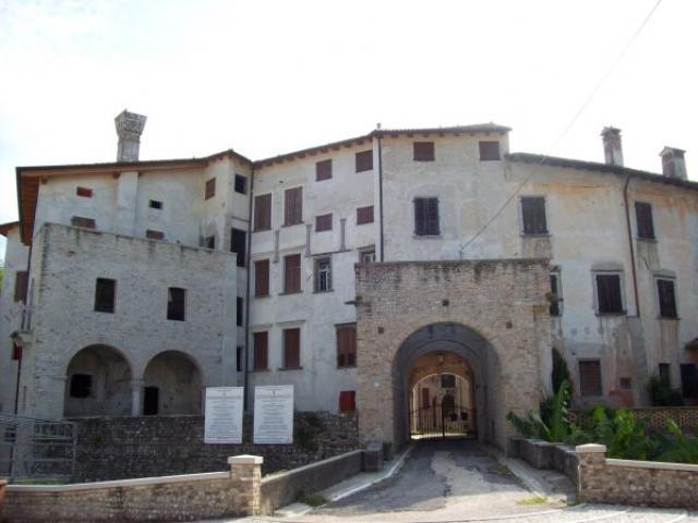 Quattro passi per Valvasone, l'antico borgo friulano amatissimo da Pasolini