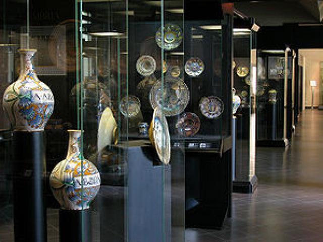 Le collezioni di importanza mondiale del Museo Internazionale delle Ceramiche di Faenza