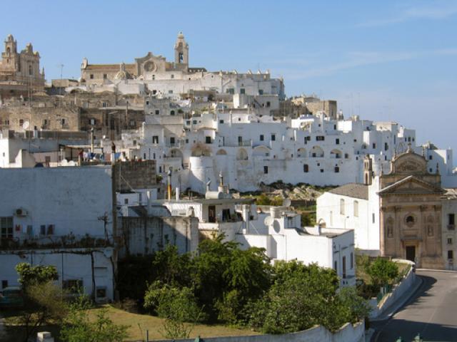 Ostuni - la famosa città bianca in Puglia