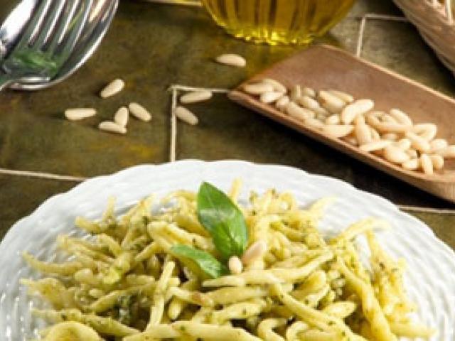 Pesto Aromatico e Farinata di Ceci