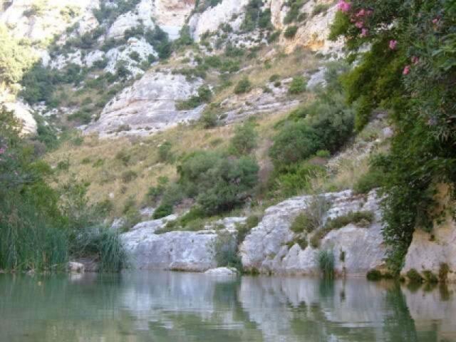 Trekking e arrampicata nel canyon