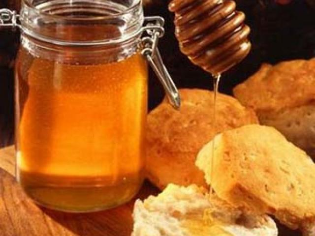Il miele, un vanto biondo della nostra Italia