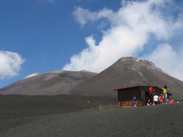 Trekking sull'Etna per amare il vulcano