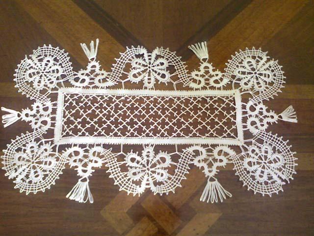 Pizzi al tombolo altoatesini: artigianato a regola d'arte