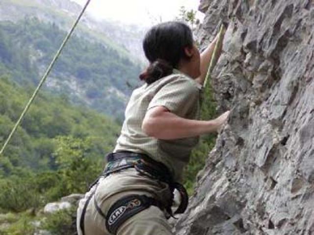 Imparare l'eco-climbing nel Parco Naturale delle Dolomiti Friulane
