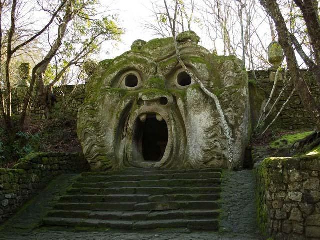 Il mondo fantastico del Parco dei Mostri di Bomarzo