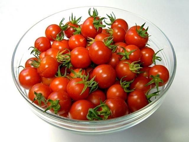 Pomodoro ciliegino: una festa di grappoli