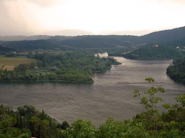 Divertirsi col canottaggio sul lago di Piediluco