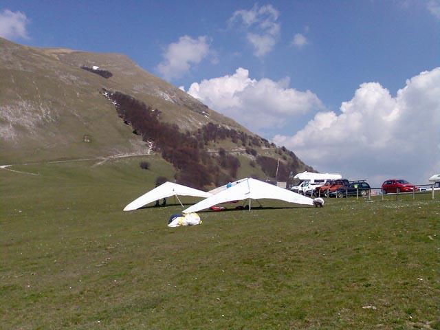 Il brivido del deltaplano a Monte Cucco