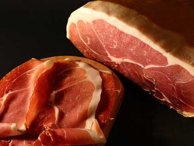 La gastronomia latina presenta il Prosciutto di Bassiano