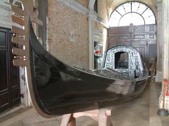 Gondola, la barca simbolo della Serenissima