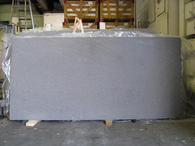 Grigia, elegante, resistente: è la pietra basaltina viterbese