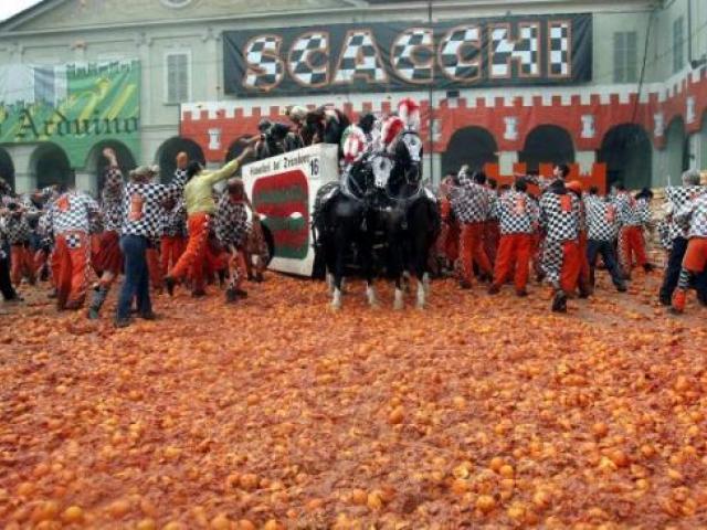 Ivrea la bella: a spasso nella città famosa anche per il suo Carnevale