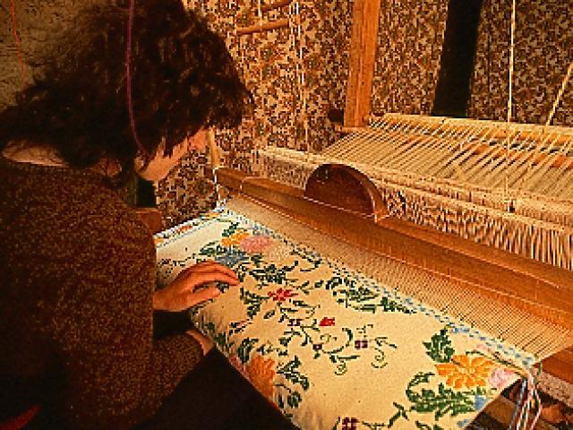Lavorazione artigianale dei tessuti di Longobucco