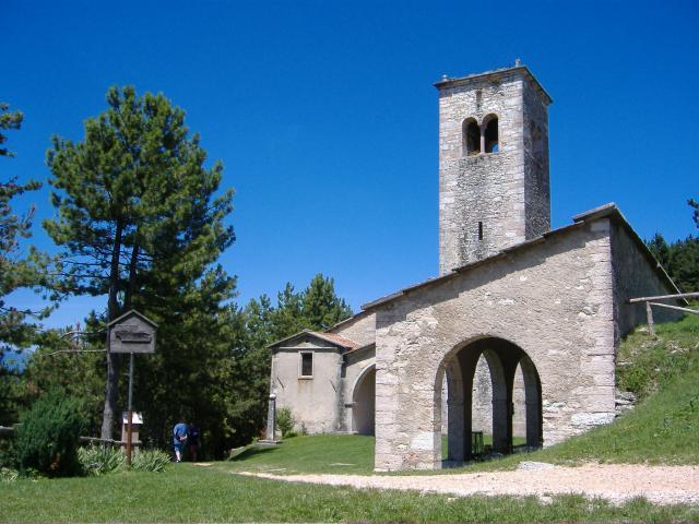 Santuario di San Leonardo sul Monte San Moro