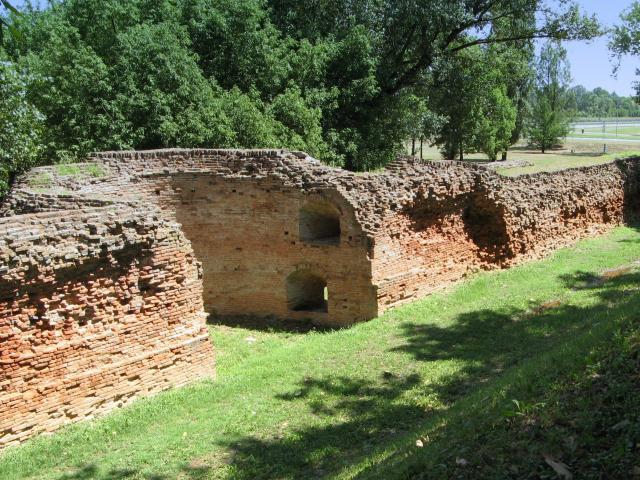 Le antiche mura della città di Ferrara