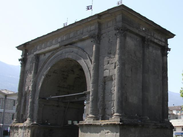 Arco di Augusto