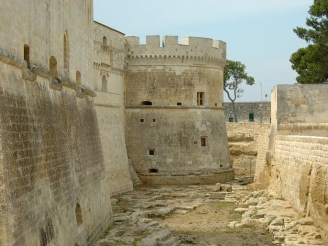Salento: Alla scoperta di castelli e torri costiere d'avvistamento