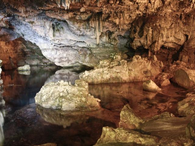 Le grotte carsiche