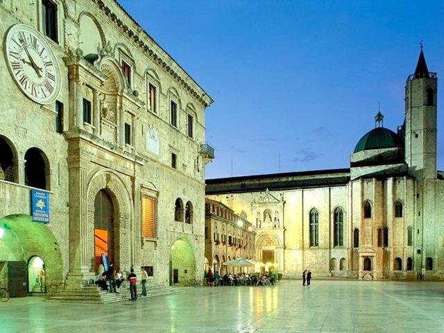 Piazza del Popolo - Ascoli
