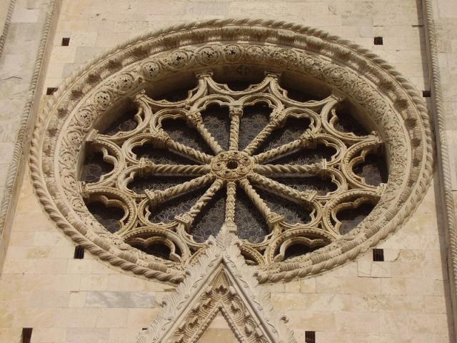 Rosone della Cattedrale di S. Maria Assunta