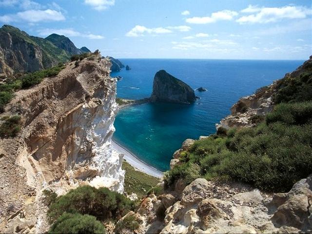 Cala e Faraglione del Capo San Silverio - Palmarola
