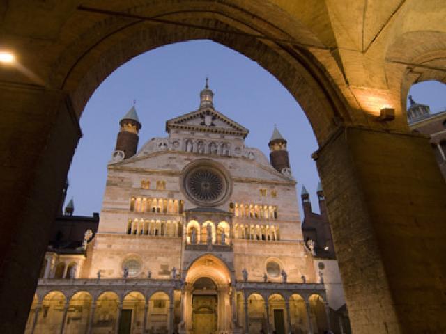 Duomo di Cremona  di sera