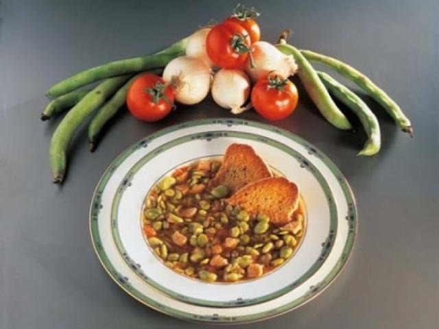 Zuppetta di fave con gamberetti alla grappa di sangiovese