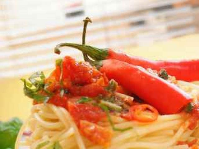 Spaghetti ai pomodori al forno