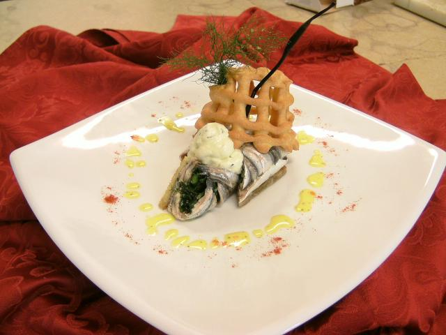 Tortino caldo di alici e asparagi di mare, spuma all'olio di oliva