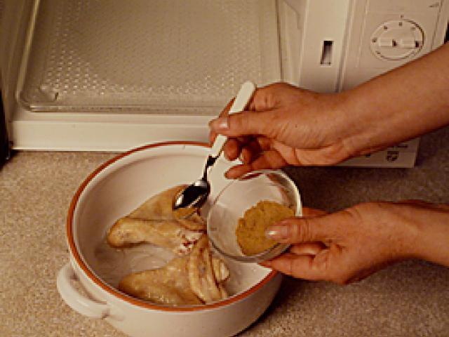Ali di pollo caramellate al miele