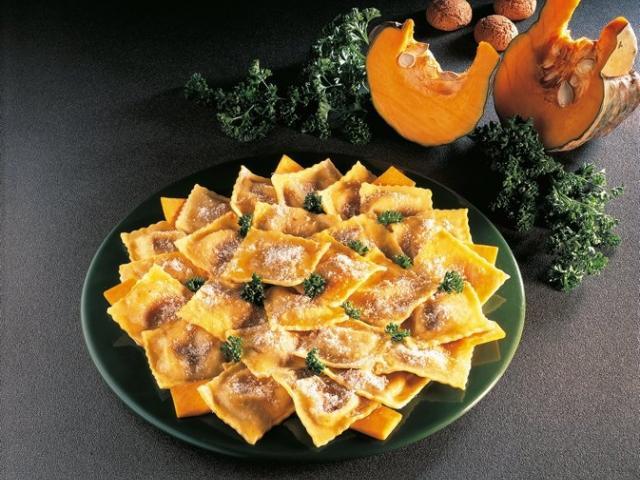 Tortelli di zucca con burro fuso
