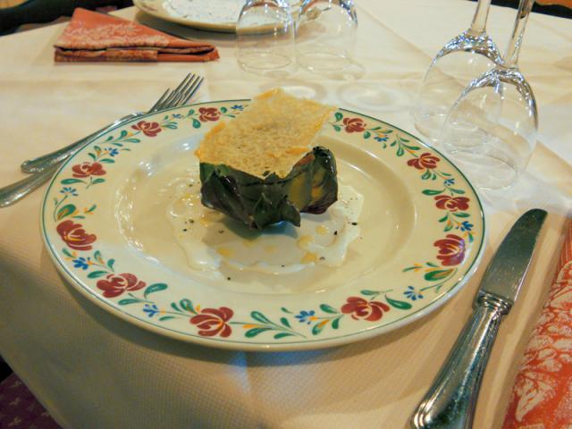 Tortino ai carciofi con salsa al Parmigiano Reggiano