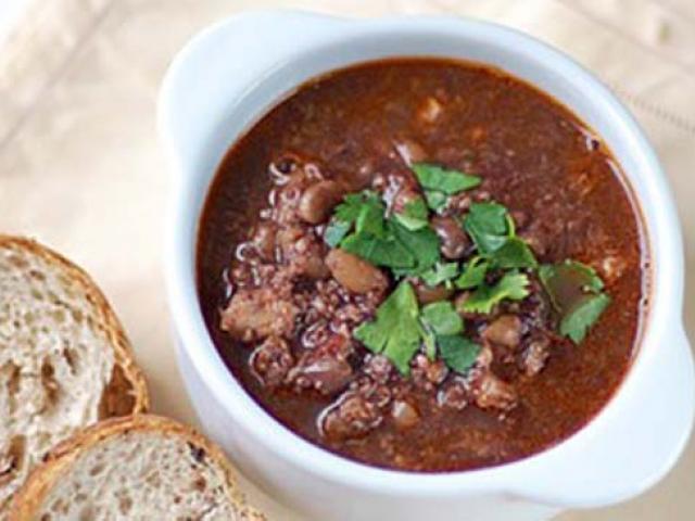 Zuppa di baccalà con sedano, patate e pomodori