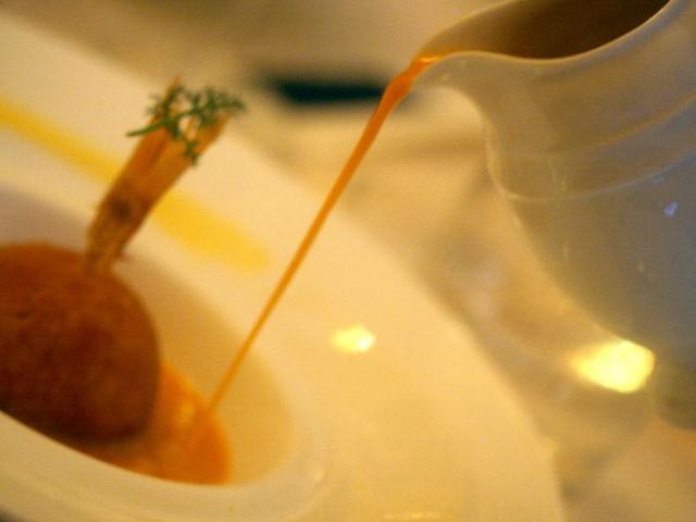Arancini di riso con ragù di triglie e finocchietto selvatico