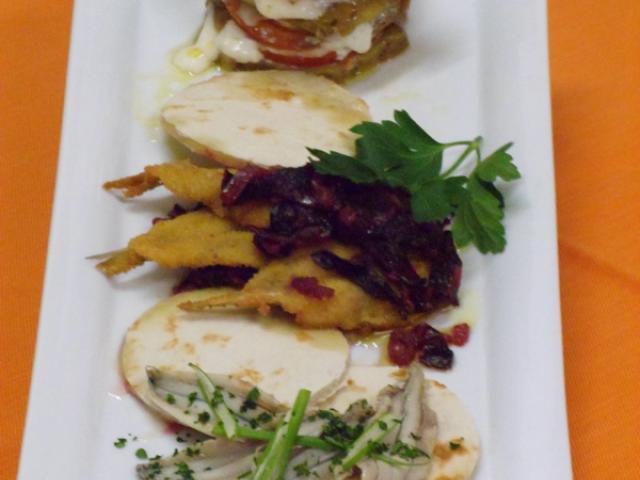 Alici fritte, marinate e millefoglie di alici