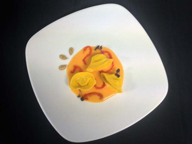 Tortelli di Baccalà, Burro di Airasca, Crema di Zucca e Pomodori Secchi