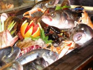 Particolare vetrina pesce fresco