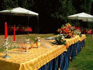ristorante Casino di Caccia di Villa Lante- banchetti in giardino