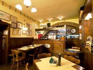 pizzeria birreria Charlie- sala interna
