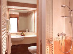 Camere con bagno privato disponibili con vasca o doccia